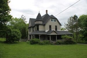 REDUCED! Victorian Style Waterfront home on Large lot  - Hampton