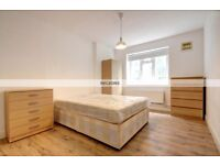 STUDENT HAVEN!! GREAT LOCATION NEXT TO BOROUGH & LONDON BRIDGE STATION AVAILABLE LATE JULY £700!!