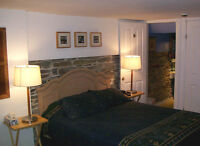 Downtown Clean, Daily/Weekly Rooms @ Bed & Breakfast