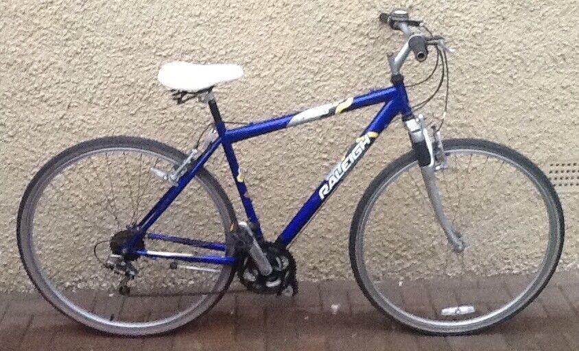 """Bike/Bicycle. GENTS RALEIGH """" P2000 """" HYBRID BICYCLE"""