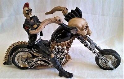 Nemesis Now Hell Para Cuero Macabra Esqueleto Jinete & Helicóptero Moto Figura