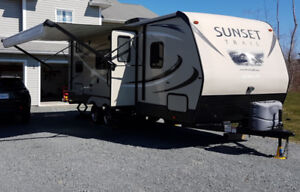 2016 CrossRoads Sunset Trail Ultra Lite 221bh Travel Trailer