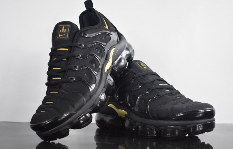 fd1d792ede3ef Nike 2018 TN Air Vapormax Plus - Black and Gold - Limited Sizes - WITH BOX
