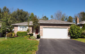 Winter is Coming! Rent this Full house! Lakeshore North location