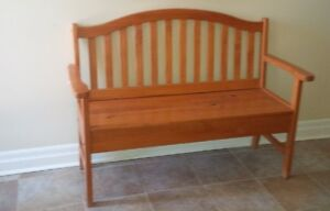 Solid Pinewood Entryway Bench