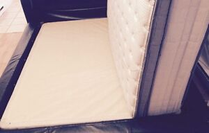 Queen size bed set for sale !