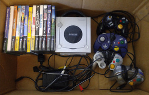 Nintendo Game Cube w/14 games, 4 controllers and 4 memory cards