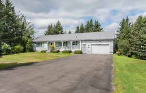 120 ISAIAH RD - BUNGALOW - GARAGE, 2 BEDS + DEN, 3 BATHS, 1 ACRE