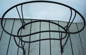 UNIQUE KIDNEY SHAPED WROUGHT IRON TABLE (ARTPIECE)