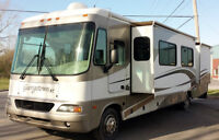 Motorisé Classe A Gas 2005 Coachmen Georgetown 37' 3 extensions