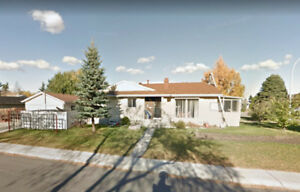 5 BDRM HOUSE in Brentwood!