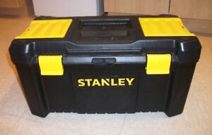 """Nouvelle boîte à outils Stanley 24"""" po   ,  Brand new Tool Box"""