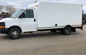 """2009 Chevrolet Express Commercial Cutaway 3500 159"""" WB"""