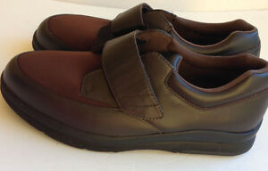 Like New P.W. MINOR Mens Pleasure Strap Orthodic Shoes - 8.5WW Cambridge Kitchener Area image 1