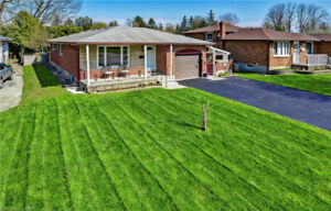 OPEN HOUSE - 18 HAMBER CRT - MAY 18 & 19 - 2 to 4 PM