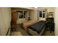 Live in carer wanted - older woman with Alzheimers, Vegeterian, Quaker, spacious room for carer.