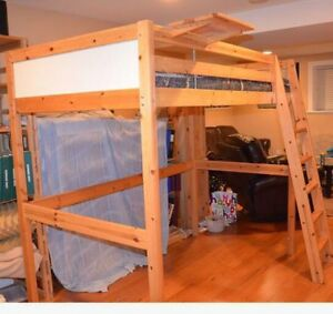 Loft bed/Bunk bed with Desk