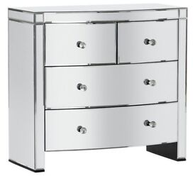 Ex display Canzano 4 Drawer Mirrored Chest