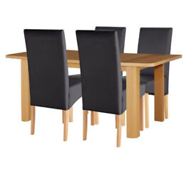 Collection Stonebury Oak Veneer Table & 4 Chairs - Black