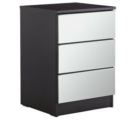 Ex display Sandon 3 Drawer Bedside Chest - Black and Mirrored