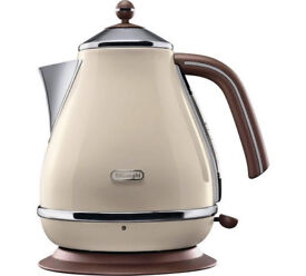 De'Longhi Vintage Icona Kettle - Cream -used but good condition