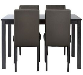 Ex display Elmdon Wood Effect Dining Table & 4 Chairs - Black