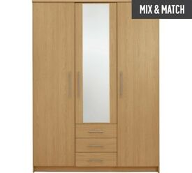 Triple door wardrobe with mirror and 3 drawer OAK