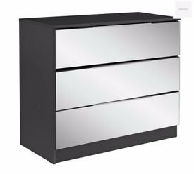Ex-display Sandon 3 Drawer Chest - Black and Mirrored