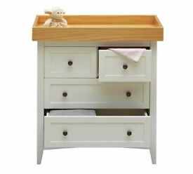 Ex display Cuggl Camborne Chest of Drawers - Two Tone