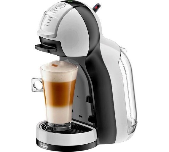 NESCAFÉ Dolce Gusto Coffee Machine by Delonghi - great condition & hardly used