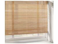 Wooden Venetian blind (natural & white)