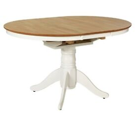 Ex display Kentucky Extendable 4 - 6 Seater Table - Two Tone