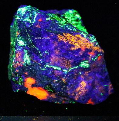 Fluorescent specimen Franklin NJ Hardystonite Clinohedrite Calcite Willemite