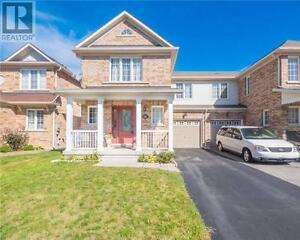 118 Mynden Way Newmarket Ontario Great  Home for sale!