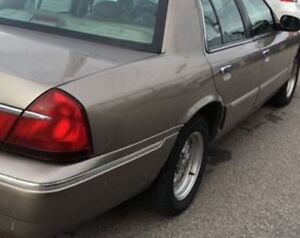 2002 Mercury Grand Marquis LE Sedan