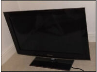 Samsung TV with stand 32inch