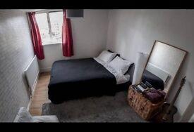 Double Bedroom in Stepney Way, Aldgate