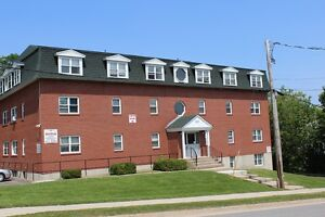 FIBRE OP!! - 3 BEDROOM - NOV 1ST - DIRECTLY ACROSS FROM CAMPUS