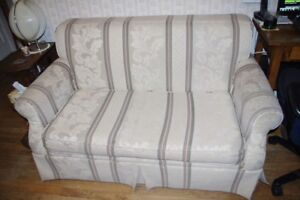 Sturdy Love Seat Hideabed