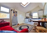REDUCED! COSY, SPACIOUS 3 BED FLAT, VERY BRIGHT, STOKE NEWINGTON! RESERVE NOW!
