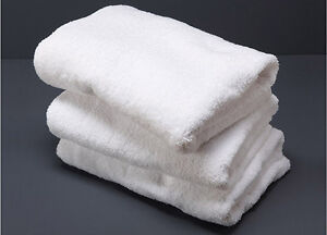 NEW WHITE BATH TOWEL AND HAND TOWEL West Island Greater Montréal image 1