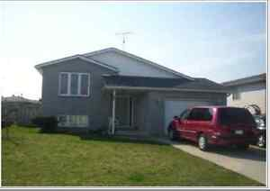SPLIT LEVEL RAISED RANCH 4 BEDROOM HOME IN TILBURY FOR SALE BY O
