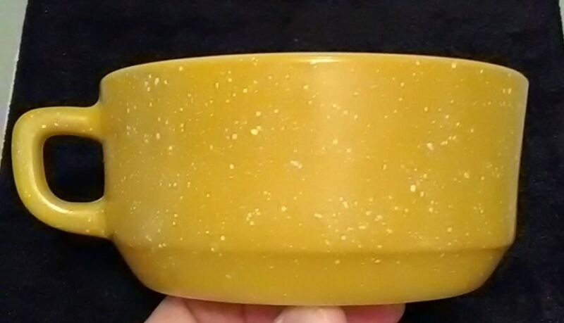 Vintage ANCHOR HOCKING FIRE KING SPECKLED Yellow Rare MILK GLASS COFFEE MUG CUP