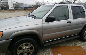 2000 NISSAN PATHFINDER PARTS ONLY!!!!!!