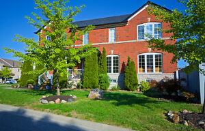 Richmond Hill 3 bedroom Town-house for Sale