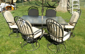 PATIO SET - HOMECREST COMMERCIAL 6 CHAIRS, UMBRELLA AND TABLE