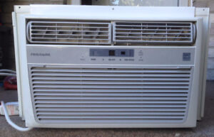 Frigidaire 8000 BTU Air Conditioner