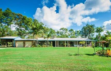 NOOSA HINTERLAND HOME ON 1,36 HECTARE ( optional ALL included)