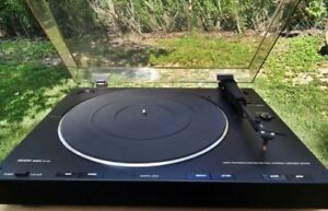 Denon DP23F Fully Automatic Turntable. Mint Condition.