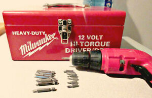 Vtg Milwaukee 12v Drill Driver w/ 2 Batteries, Charger & Case +
